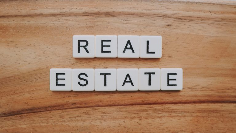 What Is a Straight Note in Real Estate?